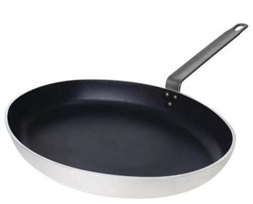 Picture of Vogue Non Stick Teflon Aluminium Oval Frying Pan 400mm